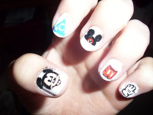 Mickey Nails Art