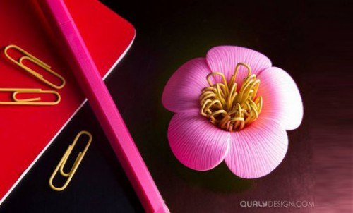 Qualy Blossom Magnetic Paper Clips Holder